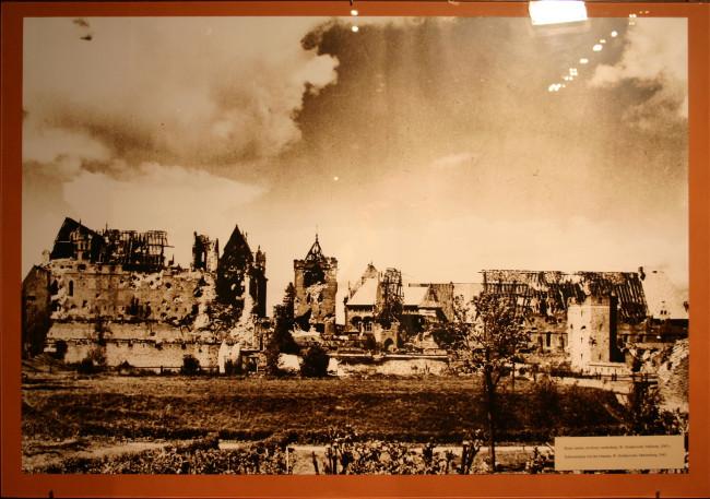Руины готического замка в Мальборке