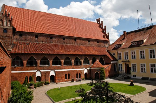 Ольштынский замок