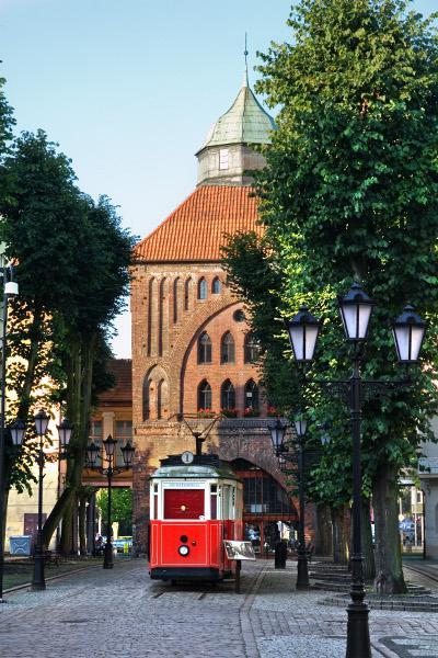 Памятник старинному трамваю